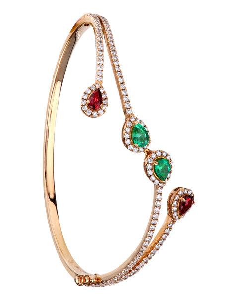 photo of emerald & rhodolite bracelet