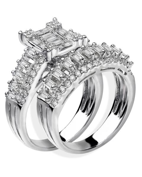 photo of baguette cut diamond ring