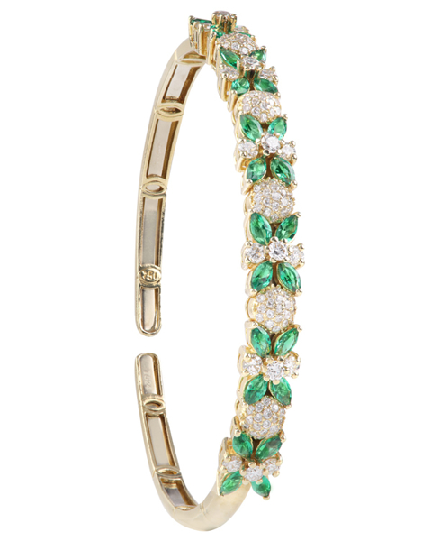 photo of green stone bracelet